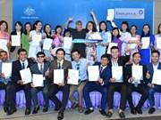 Vietnamitas ganadores de becas gubernamentales australianas comenzarán sus estudios