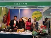 Participa Vietnam en feria caritativa internacional en Ucraina