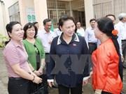 Presidenta de Parlamento vietnamita aclara dudas de votantes de Can Tho