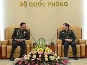 Ministro de Defensa de Vietnam recibe a veteranos de guerra de Laos y Camboya