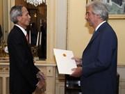 Reitera premier uruguayo disposición de impulsar lazos Montevideo- Hanoi