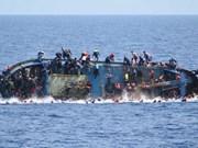Al menos ocho muertos en naufragio de barco en Indonesia