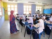 Malasia implementa programa bilingüe en escuelas secundarias