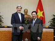 Vicepremier de Vietnam recibe a John Kerry