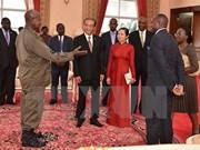 Embajador vietnamita en Uganda presenta cartas credenciales