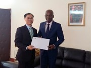 Togo desea robustecer lazos con Vietnam en foros internacionales