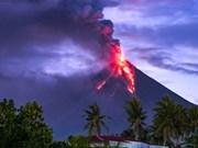 Filipinas: Evacuan a miles de personas por erupción del volcán Mayon