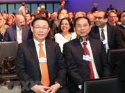 Vietnam comparte experiencias de desarrollo sostenible en Davos