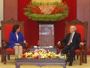 Dirigente partidista de Vietnam recibe a embajadora cubana