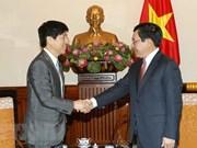 Vicepremier vietnamita recibe a alto funcionario japonés