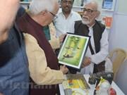 Libros vietnamitas exhibidos en feria internacional en India