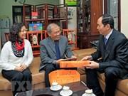 Presidente de Vietnam visita a intelectuales hanoyenses en ocasión del Tet