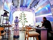 Robotcafe, cafetería con robot mesero en Hanoi