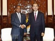 Presidente de Vietnam recibe al embajador mozambiqueño