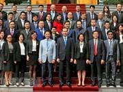 Presidente vietnamita insta a consejeros comerciales a trabajar de forma activa