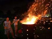 Hong Kong y Singapur estrechan control sobre la quema de papeles votivos