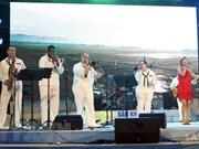 Actúa en Da Nang banda de Séptima Flota de EE.UU.