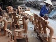 Presentan productos vietnamitas en feria internacional de muebles en Singapur