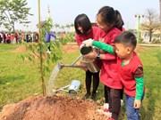 Japón respalda a Hanoi en proyecto de plantación de árboles