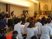 Fieles budistas vietnamitas celebran en Seúl gran misa por la paz nacional