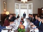 Primeros ministros de Vietnam y Nueva Zelanda acuerdan cooperar en múltiples sectores