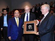 Premier de Vietnam visita Universidad Nacional de Australia