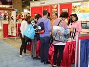 Pabellón de Vietnam atrae a más de mil visitantes en feria de turismo en Ottawa