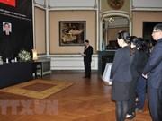 Continúan actividades de homenaje al expremier Phan Van Khai en el exterior