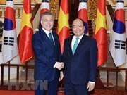 Vietnam y Sudcorea miran hacia intercambio comercial de 100 mil millones de dólares en 2020