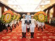 Amigos extranjeros rinden tributo al ex primer ministro vietnamita Phan Van Khai