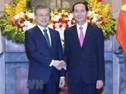 Korea Times resalta significado de la visita del presidente Moon Jae- in a Vietnam
