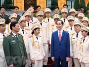 Presidente vietnamita sostuvo encuentro con policías jóvenes más destacados