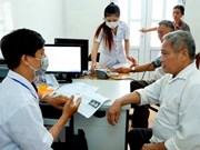 Hanoi acelera concesión de tarjetas de seguro médico electrónicas
