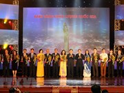 Entregan a 73 empresas Premio de Calidad Nacional de Vietnam