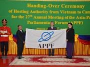 Vietnam entrega presidencia del Foro Parlamentario de Asia- Pacífico a Camboya