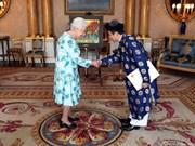 La reina de Inglaterra recibe al embajador vietnamita