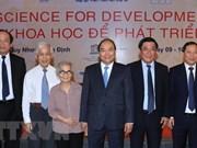 Premier vietnamita destaca la aplicación de avances científicos en desarrollo nacional