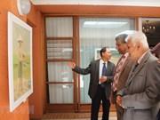 En Sudáfrica muestra de pinturas sobre zonas costeras de Vietnam