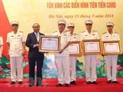 Premier instó a policías a seguir estudiante enseñanzas del presidente Ho Chi Minh