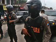 Policía de Indonesia mata a tres atacantes durante asalto a una comisaría