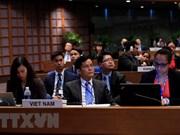 Vietnam exhorta a mantener la paz para eliminar la desigualdad social