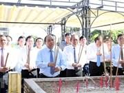 Premier de Vietnam rinde tributo a mártires en el mayor cementerio nacional