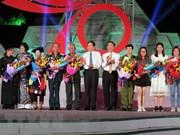 Programa televisivo recuerda llamamiento de Ho Chi Minh a emulación patriótica