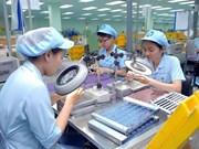 Vietnam por elevar capacitación de recursos humanos en empresas de inversión extranjera