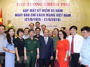 Premier vietnamita pide a la prensa nacional contribuir a consolidar consenso social
