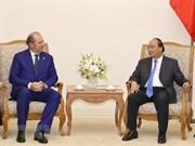 Premier vietnamita recibe al director general grupo italiano de seguros Generali