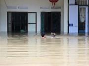 Premier de Vietnam insta a redoblar esfuerzos para mitigar efectos de inundaciones
