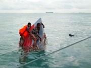 Malasia: Un muerto y 18 desaparecidos en naufragio de barco con migrantes