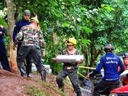 Lluvias obstaculizan rescate de equipo de fútbol infantil tailandés atrapado en cueva