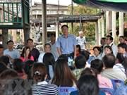 Apoyan a familias vietnamitas afectadas por incendio en Phnom Penh